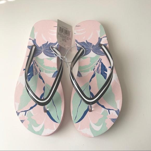 9efda0eefd3c NWT Xhilaration Letty Flip Flop Sandal pink w leaf. NWT. Xhilaration.  6   0. Size
